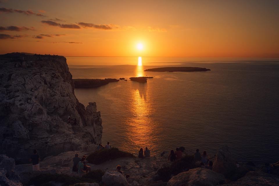 viajas a Menorca